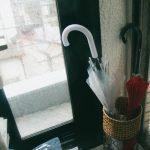 【玄関をすりガラスにして目隠し効果】外からの覗き見を防ぐ方法